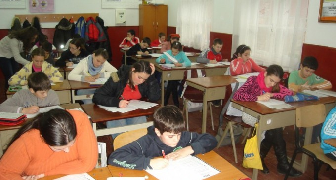 Teste pilot pentru elevii din Neamț