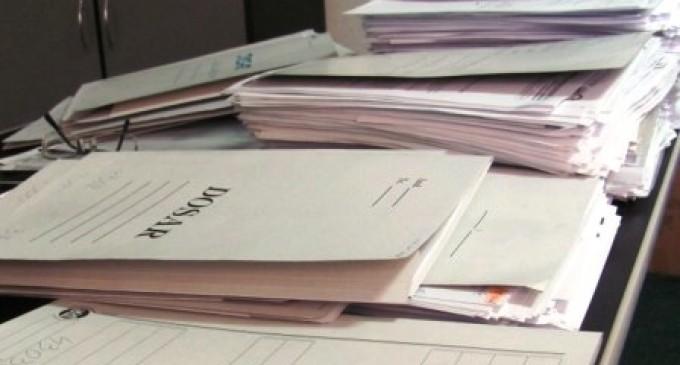 Noua lege a retrocedărilor suspendă eliberarea titlurilor de proprietate