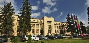 Mulți dintre romaşcani sunt nemulțumiți de funcționarii Primăriei
