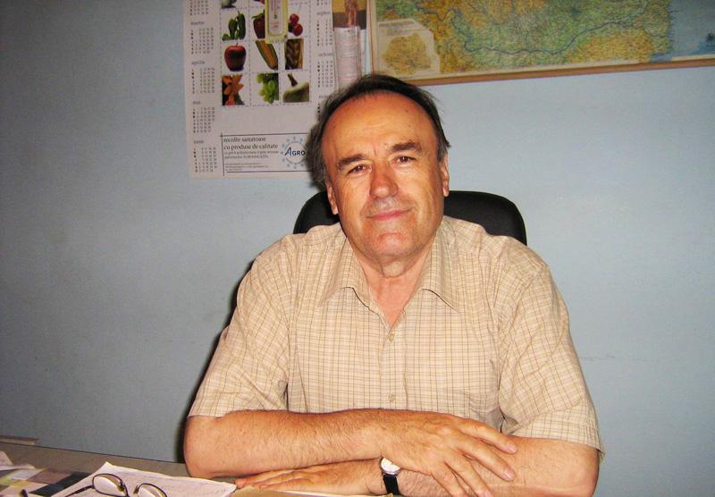 Imagini pentru Gheorghe Cenuşă comuna 3 sate