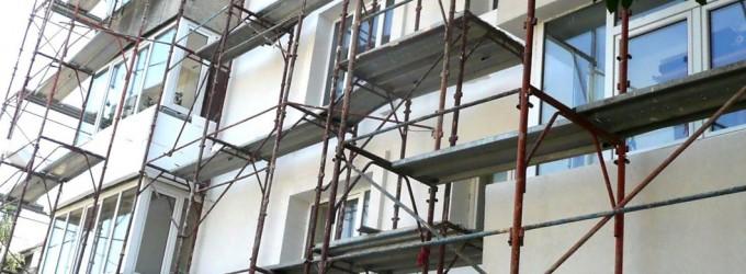 Apartamente izolate termic cu bani din bugetul local