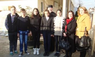 Elevii de la Horia au donat fructe şi legume copiilor nevoiaşi
