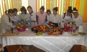 """Școala """"Mihai Eminescu"""" a lansat proiectul """"Mănâncă responsabil!"""""""