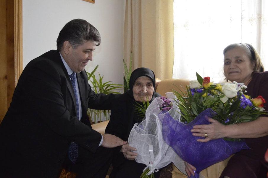 CENTENARA MARIA STĂNESCU, SĂRBĂTORITĂ DE ZIUA FEMEII