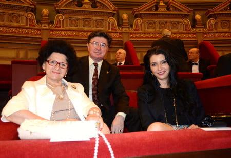 senator Chelaru Ioan si familia sotia si fiica Luisa