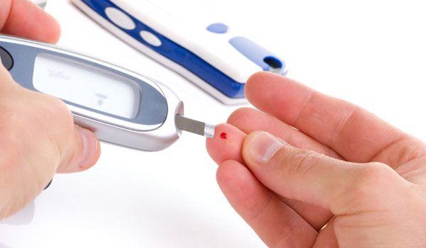 Testare gratuită a glicemiei joi în Roman, de Ziua Mondială a Diabetului