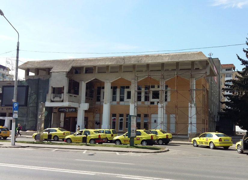 Schimbarea la față a clădirilor centrale