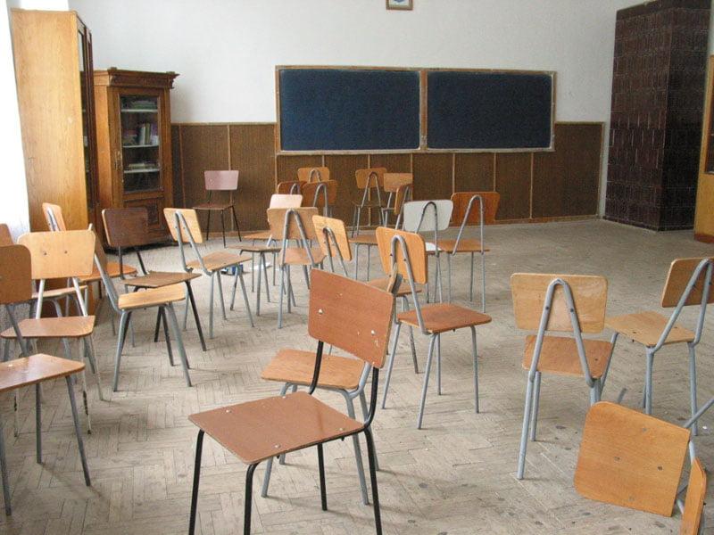 Toate școlile din județ sunt închise luni și marți
