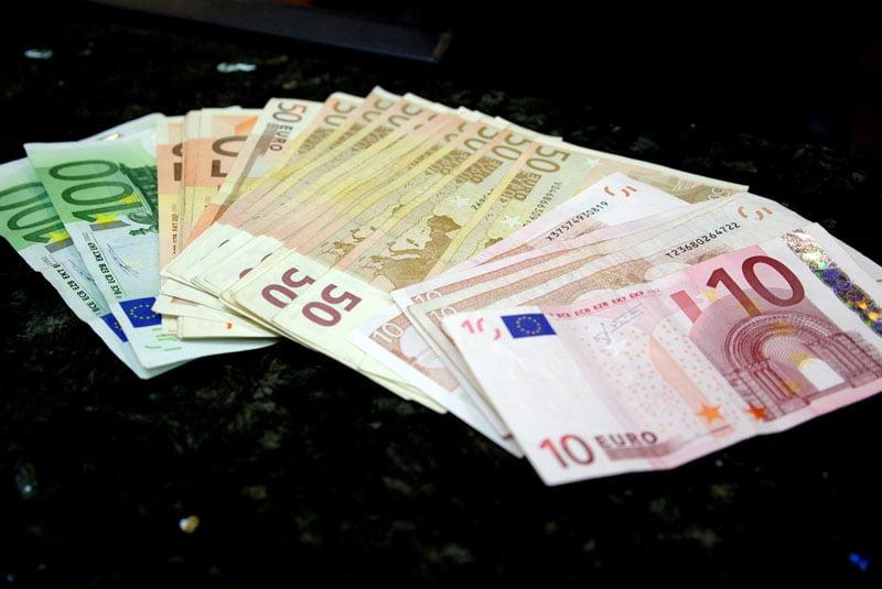 Amplă reţea de spălare de bani, anihilată de DIICOT. Prejudiciul estimat este de 16.000.000 de euro