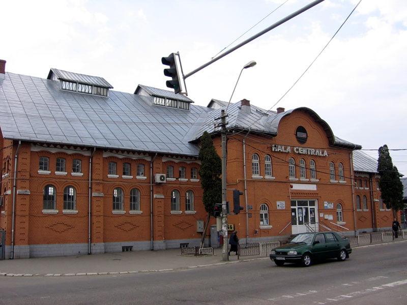 Licitații pentru închirierea mai multor spații din Piața Centrală, Hala Centrală și Piața Smirodava