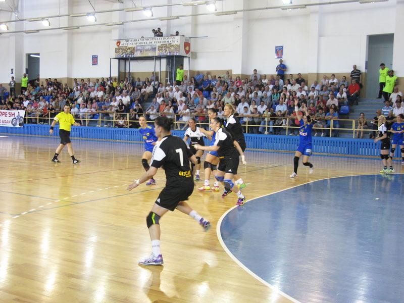 Liga Naţională feminină de handbal ia startul pe 11 septembrie