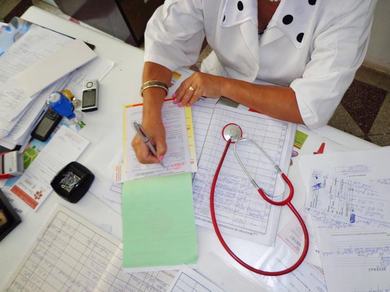 Medicii de familie nu vor elibera reţete compensate luni
