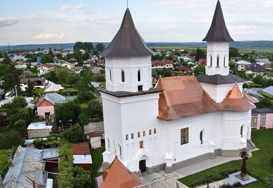"""Biserica """"Sfinţii Împăraţi Constantin şi Elena"""" va fi resfinţită vineri"""