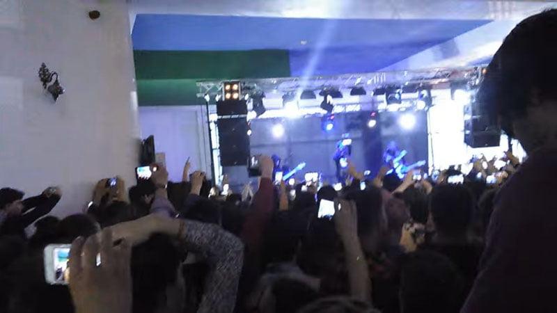 Tragedie evitată la timp în cazul concertului Carla's Dream din mall-ul din Piatra Neamţ