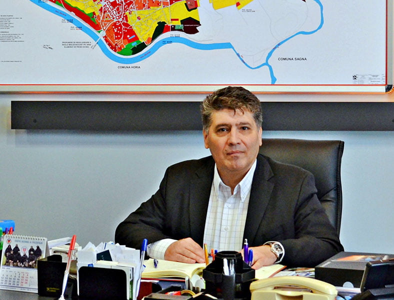 Cu un picior în Parlament, primarul Leoreanu promite sprijin pentru ziarişti