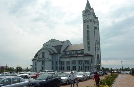 Noua biserica din Pildesti