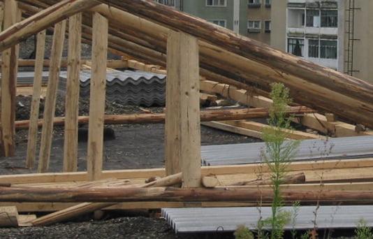 Autorizațiile de construire a acoperișurilor blocurilor, la control