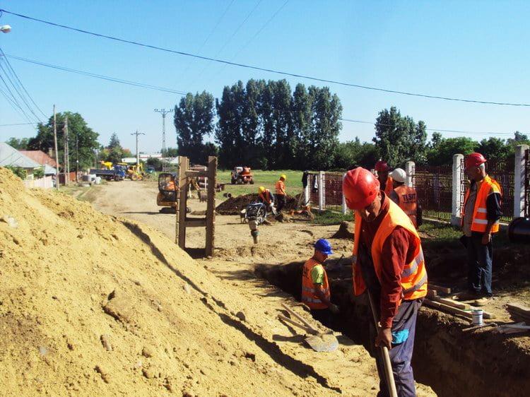 Proiect european de milioane de euro, cu penalităţi de sute de mii de lei pentru constructori
