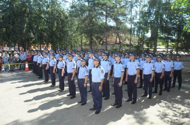 [FOTO] Cei 72 de noi poliţişti ai IPJ Neamţ au depus jurământul de credinţă