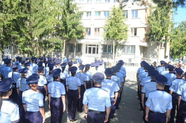 Ministerul Afacerilor Interne recrutează aproape 3.000 de polițiști, pompieri și jandarmi