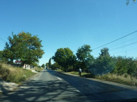 sosea Roman - Piatra Neamt - drum national DN15D - lucrari - decopertare - gropi 006