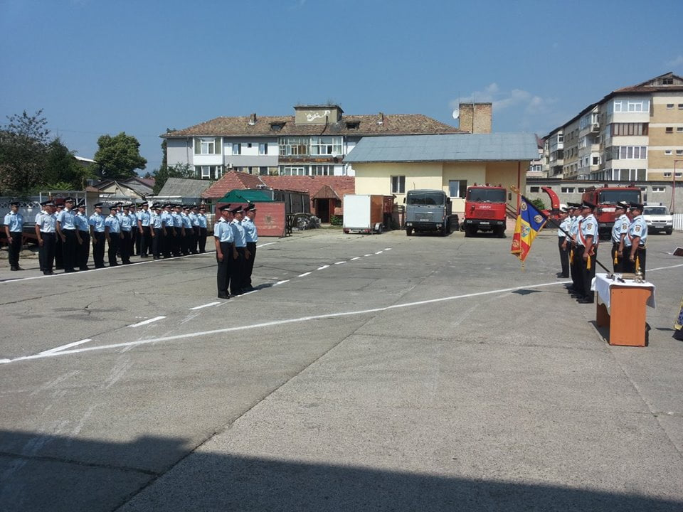 avansari august 04 pompieri