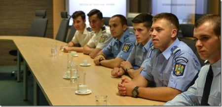 sergent major Vlad Rosu - ministru Petre Toba 02