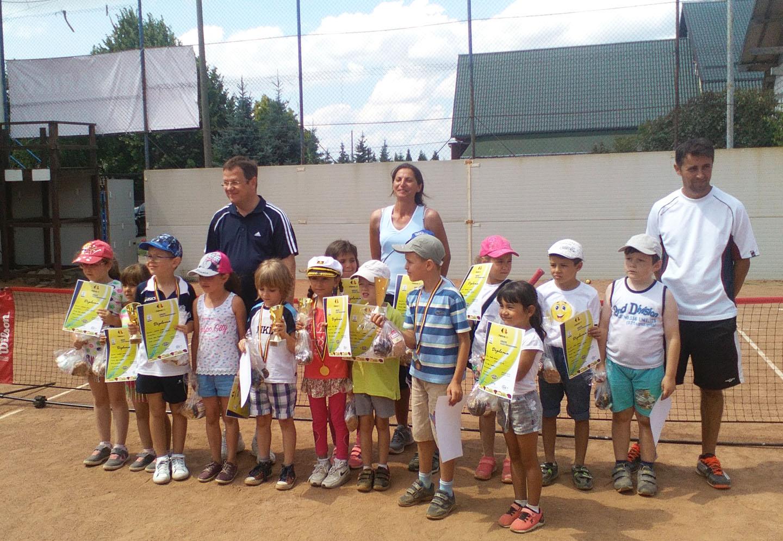 Micii tenismeni s-au întrecut în cadrul Cupei Mariko 2016