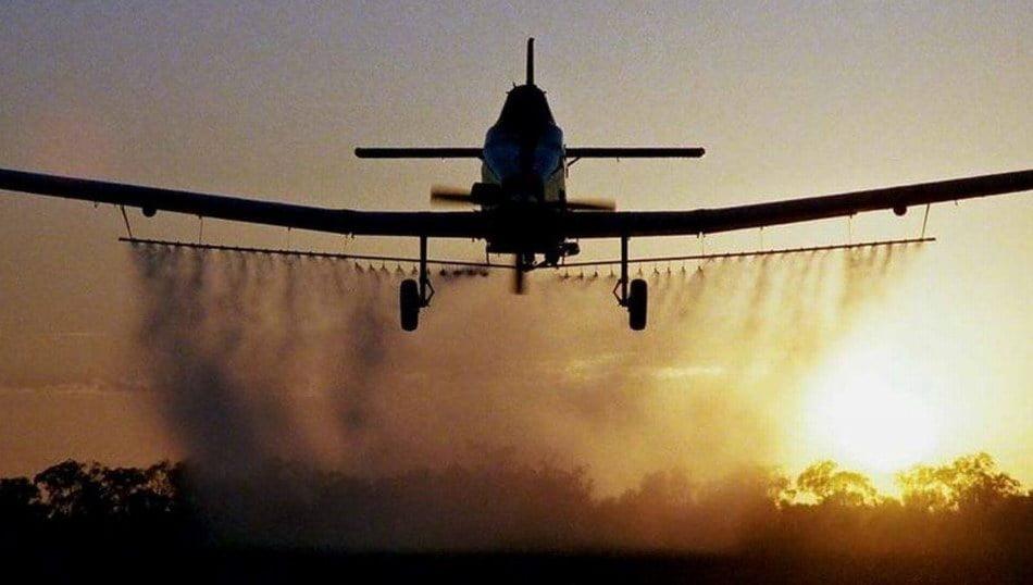 Dezinsecție cu avionul amânată din cauza frigului și reprogramată