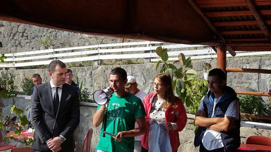 Subprefectul Vlad Ciurea, instrucţie cu voluntarii care vor ecologiza Lacul Izvorul Muntelui – Bicaz