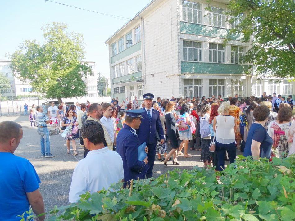 Poliţiştii, aproape de fiecare şcoală