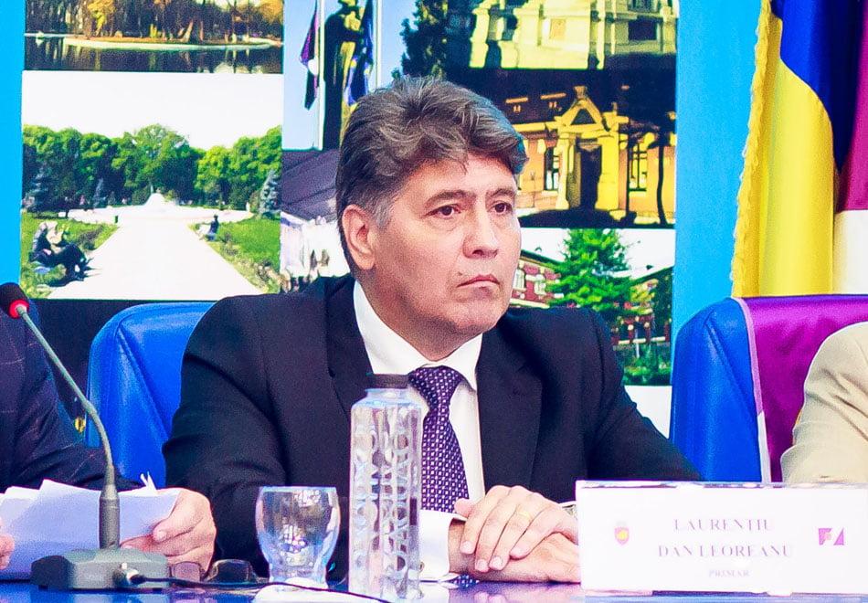 """Primarul Leoreanu a răbufnit: """"Dă-ţi demisia şi pleacă!"""""""