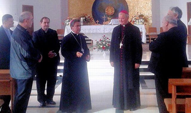 Bisericile şi noul centru medical din Săbăoani, vizitate de ambasadorul Vaticanului