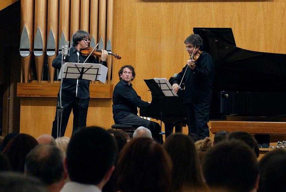 """""""Best of Duelul viorilor"""". Ediţia a şasea a turneului reînvie întrebarea: Stradivarius sau Guarneri?"""