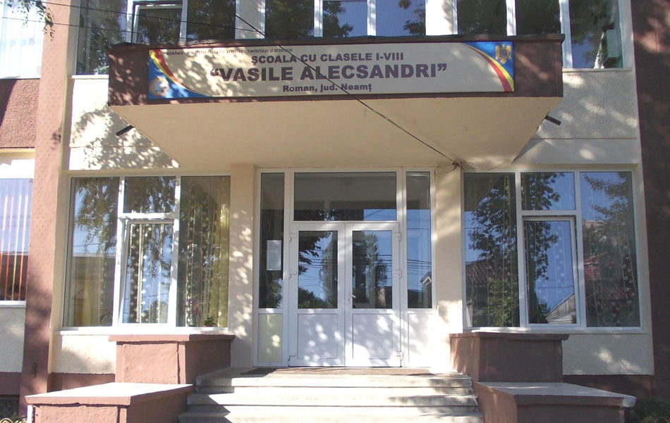 """Un nou director la Școala """"Vasile Alecsandri"""" din Roman"""