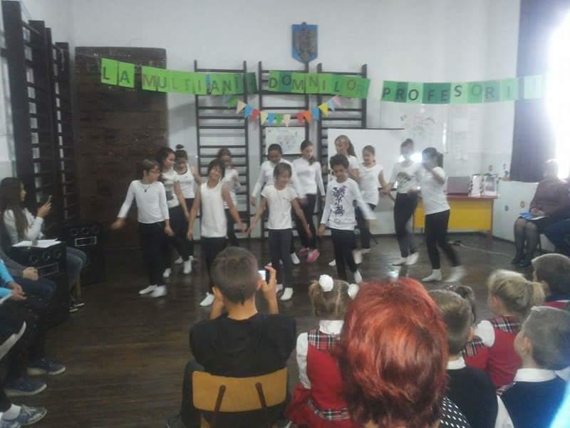 Ziua Educaţiei, sărbătorită la Școala Cordun