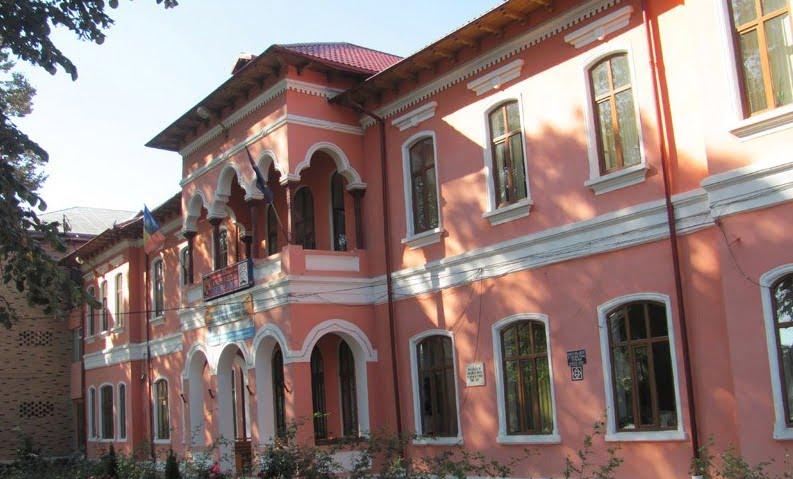 """Proiectul """"10 pentru Educație"""", la Colegiul Tehnic """"Petru Poni"""""""