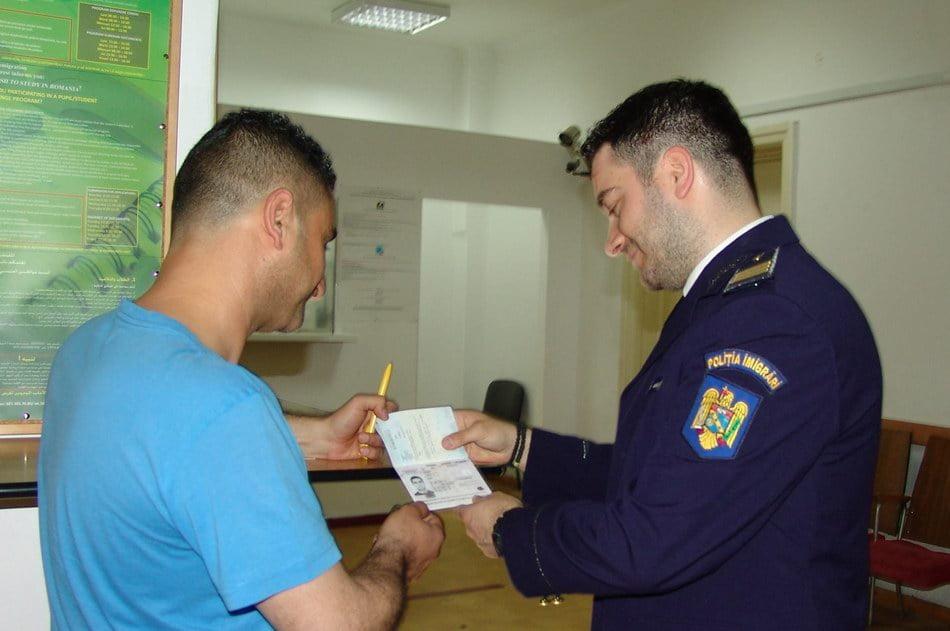 170 de posturi vacante la Inspectoratul General pentru Imigrări. Se caută un agent operativ pentru judeţul Neamţ