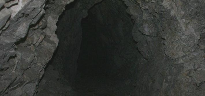 Tunel vechi de 500 de ani sub o casă din Trifești