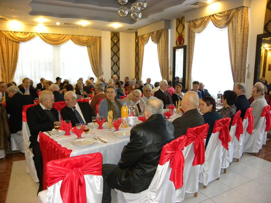 Romașcanii, invitați la Nunta de Aur