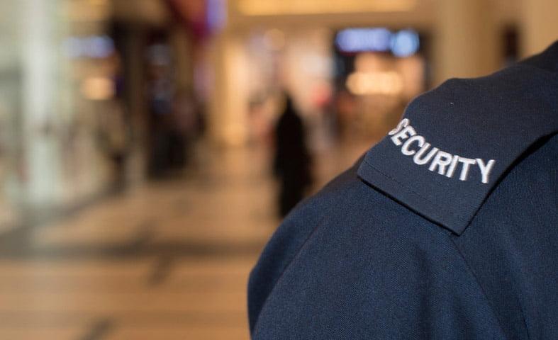 Sute de agenți de securitate, atestați de IPJ Neamț în acest an