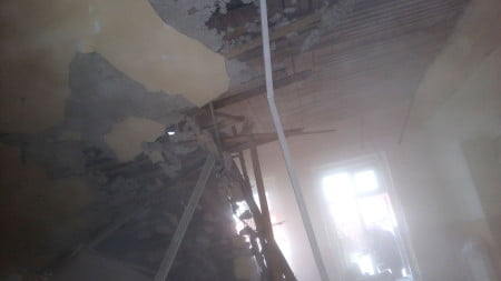 azil-roman-tavan-prabusit-02