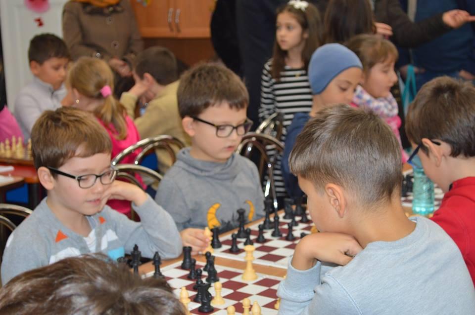 Câștigători la Toamna șahistă romașcană