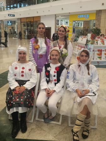 traditii-colegiul-miron-costin-02