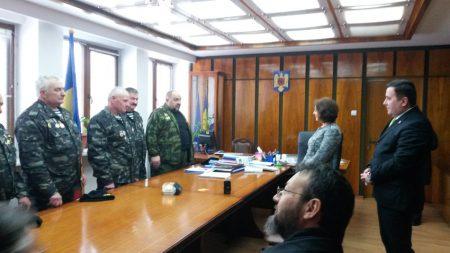 veterani-moldoveni-la-prefectura-neamt-2