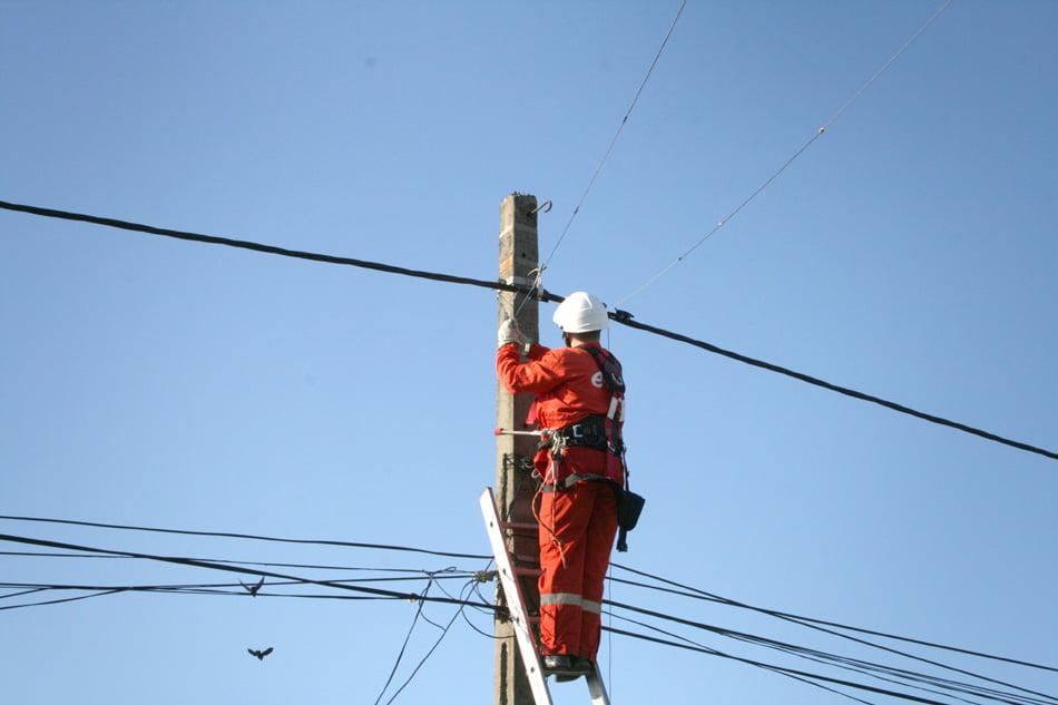 Dosare penale pentru furt de energie electrică, la Tămășeni