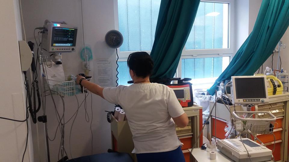 Bătrână adusă la spital în stare de hipotermie severă