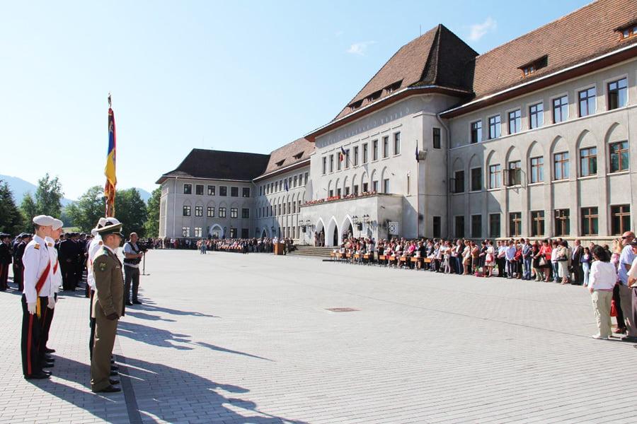 16 elevi din Neamț, admiși la liceele militare