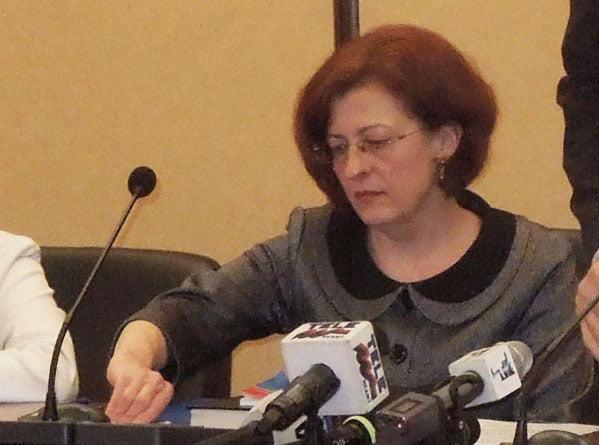 Doi primari au fost demiși de prefectul Niculina Dobrilă