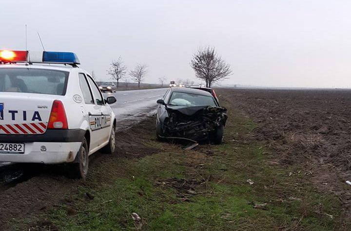 [FOTO] Grav accident pe E85, la Săbăoani, cu victime încarcerate